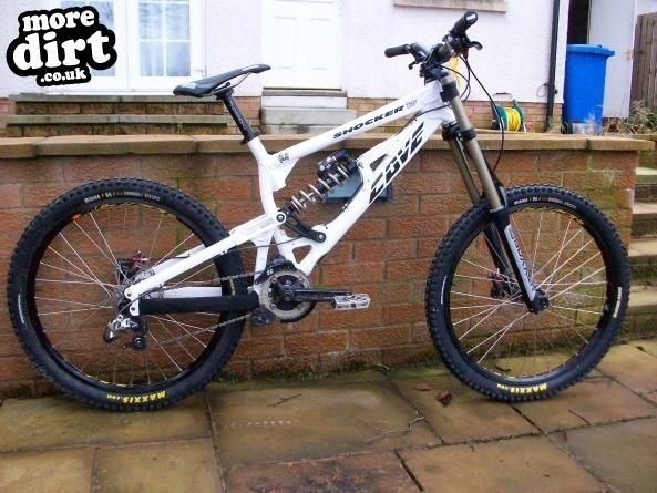 bike of the day cove shocker dh more dirt. Black Bedroom Furniture Sets. Home Design Ideas