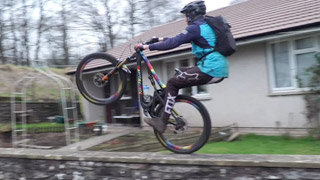 Watch Ratboy and Loosedog hilariously ride round the Brecon Beacons