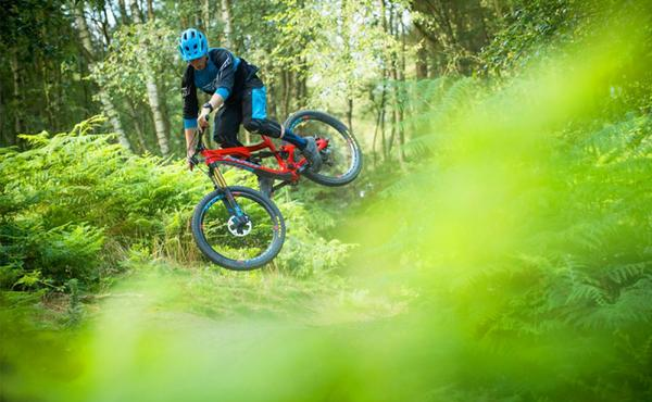 Pivot Launches All-New 170mm-Travel Firebird
