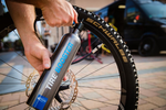 Handy Tire Booster makes tubeless assembly easier