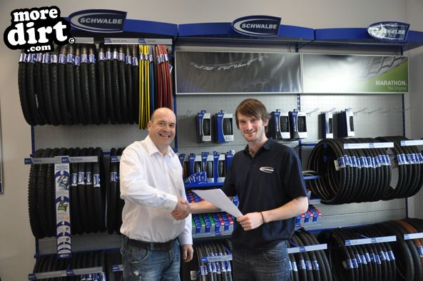 Schwalbe Sponsor British 4x Series | More Dirt