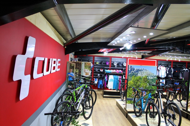 Grand opening first CUBE... (1924 of 12592) | MTB Photo